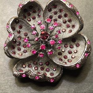 Jewelry - Big vintage silver/sparkly stone flower pin/brooch